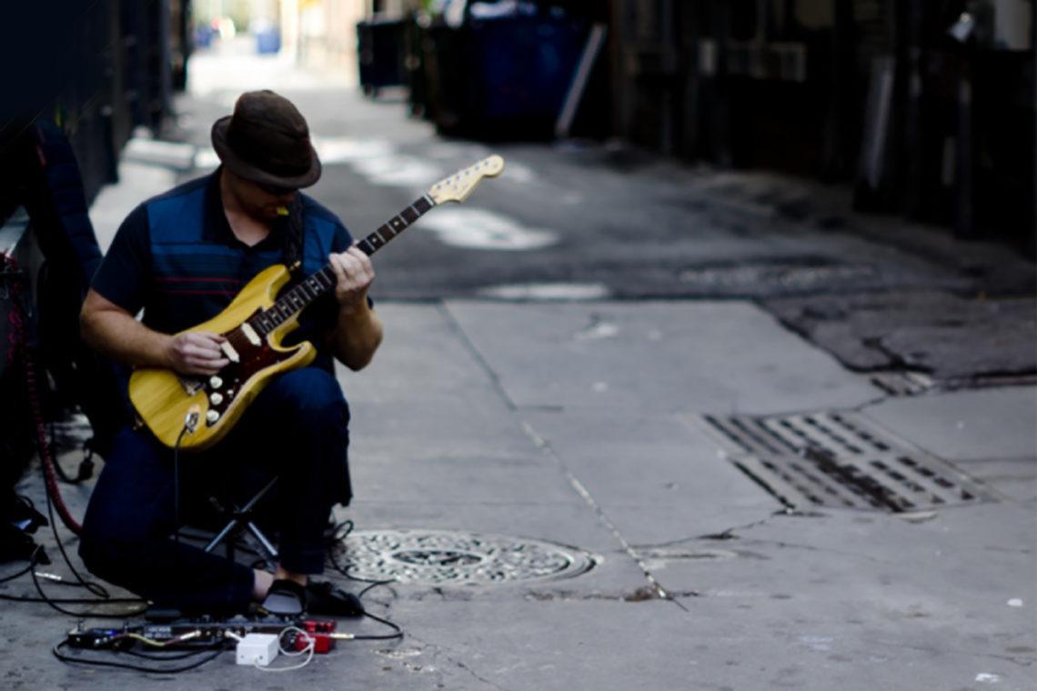 「感情に訴えかけるプレイが得意な世界4大ギタリスト&必聴アルバム」のアイキャッチ画像