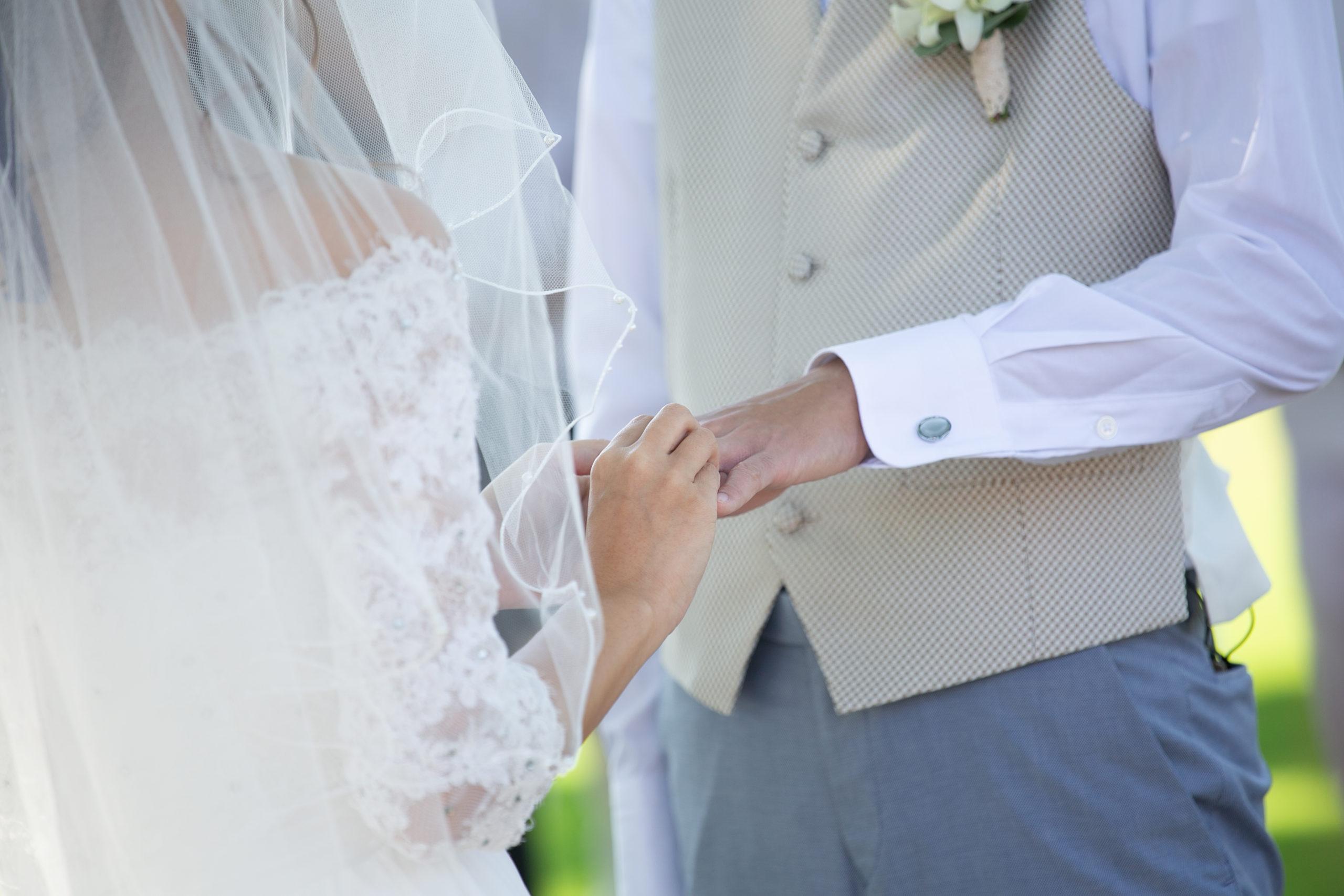 「これから二人で歩き出すための歌。結婚式、おすすめの入場曲と退場曲」のアイキャッチ画像