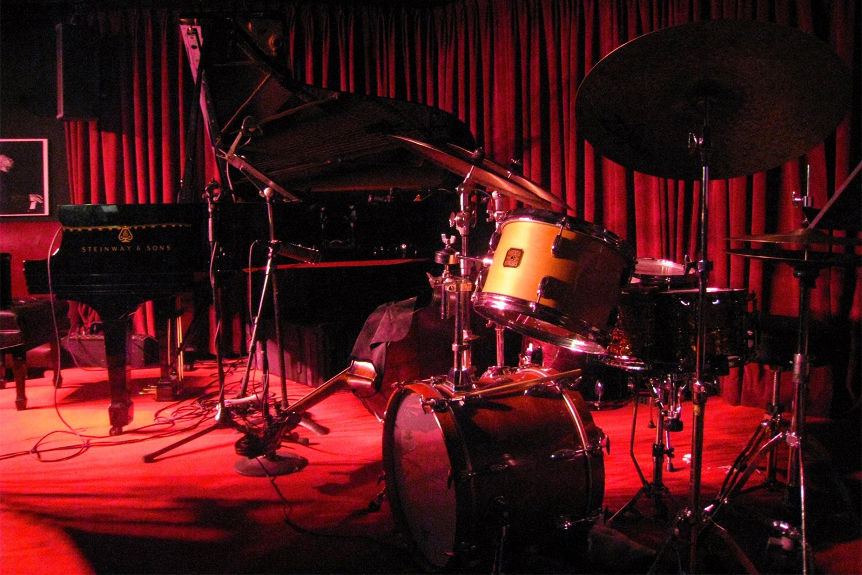 「【追悼 Tony Allen】トニー・アレンと石若駿 – アフロビートの創始者とKing Gnu前身バンドのドラマーが共演してたって知ってる?」のアイキャッチ画像